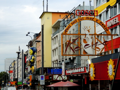 reeperbahn hamburg in daylight