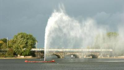 alster fountain with bridge hamburg