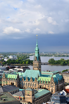 Town Hall Hamburg and Alster Lake