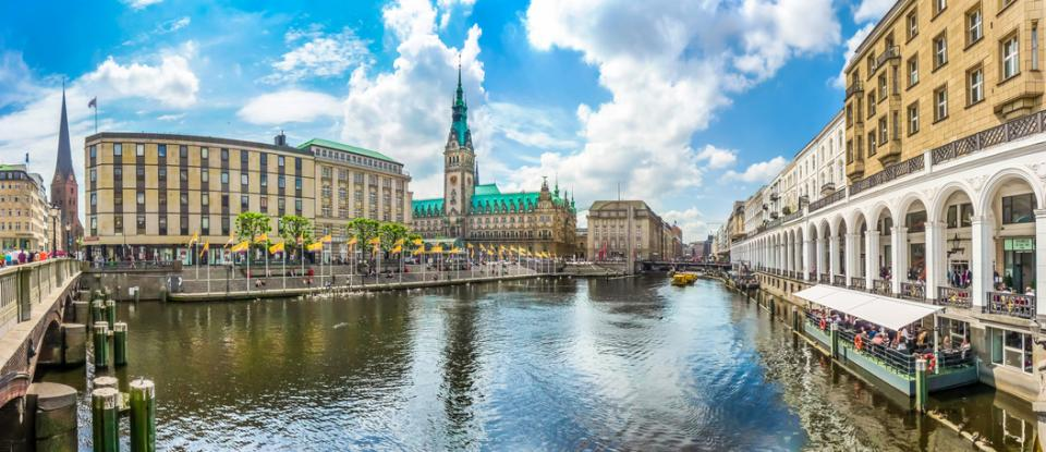 Hamburg City Tour with Town Hall and Alster Lake